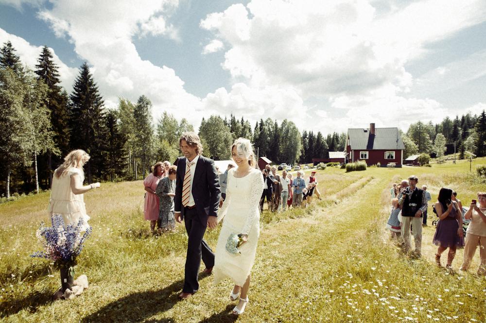 bröllop_värmland_torsby_porträtt_vintage_utomhus_83