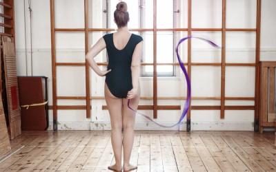 Marie  – En Annorlunda Gravidfotografering i Gymnastiksal