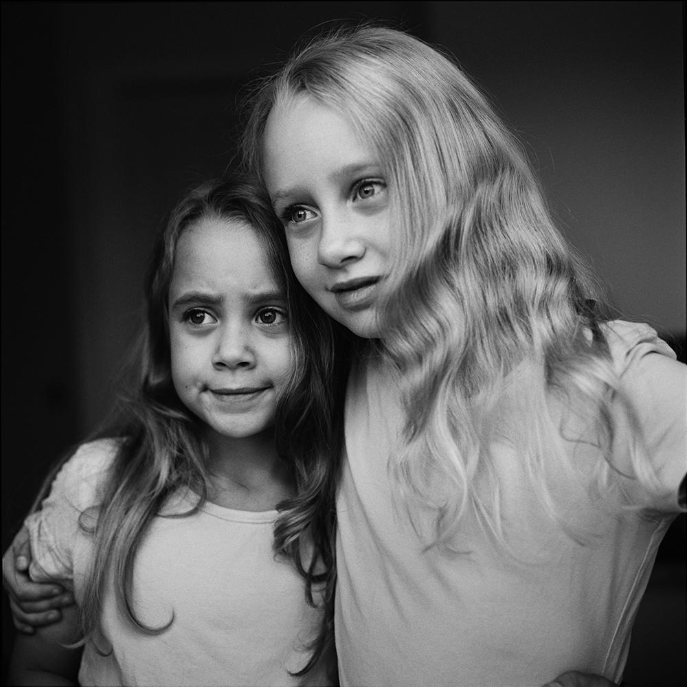 Systrar porträtt – Ett Pågående Projekt