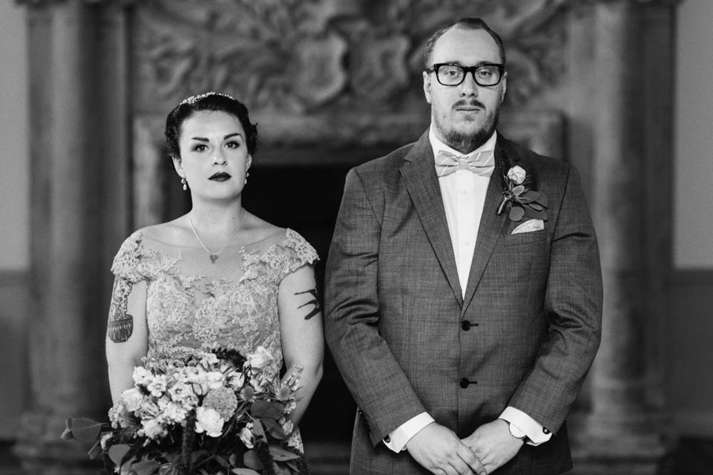bröllop-tyresö-tyresö slott-filmiskt-blush-vintage-porträtt-viktorianskt-01