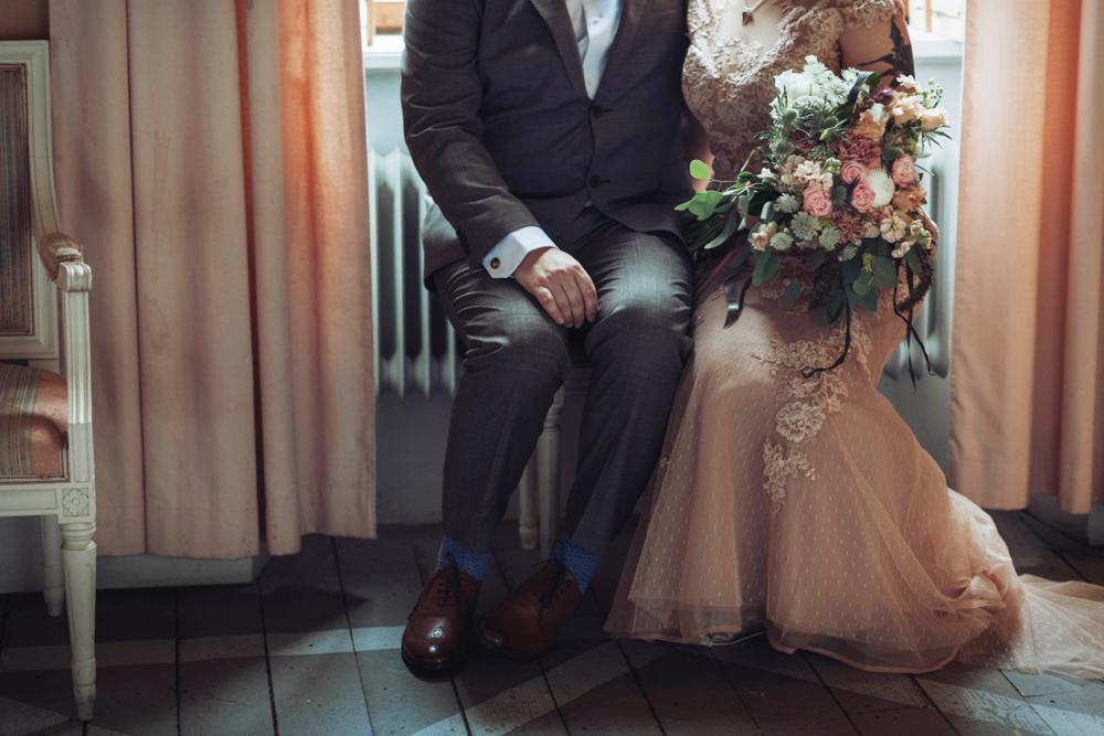 bröllop-tyresö-tyresö slott-filmiskt-blush-vintage-porträtt-viktorianskt-02