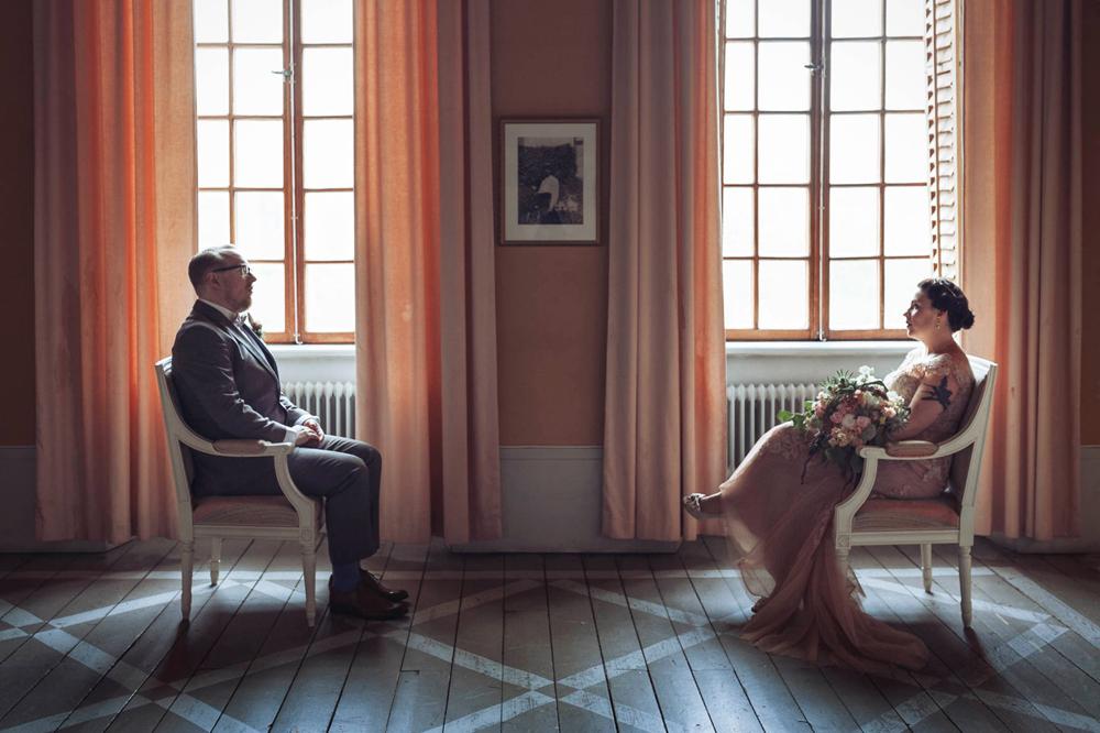 bröllop-tyresö-tyresö slott-filmiskt-blush-vintage-porträtt-viktorianskt-04