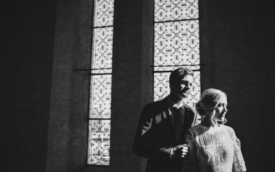 En känslosam intim vigsel i Stockholms Stadshus
